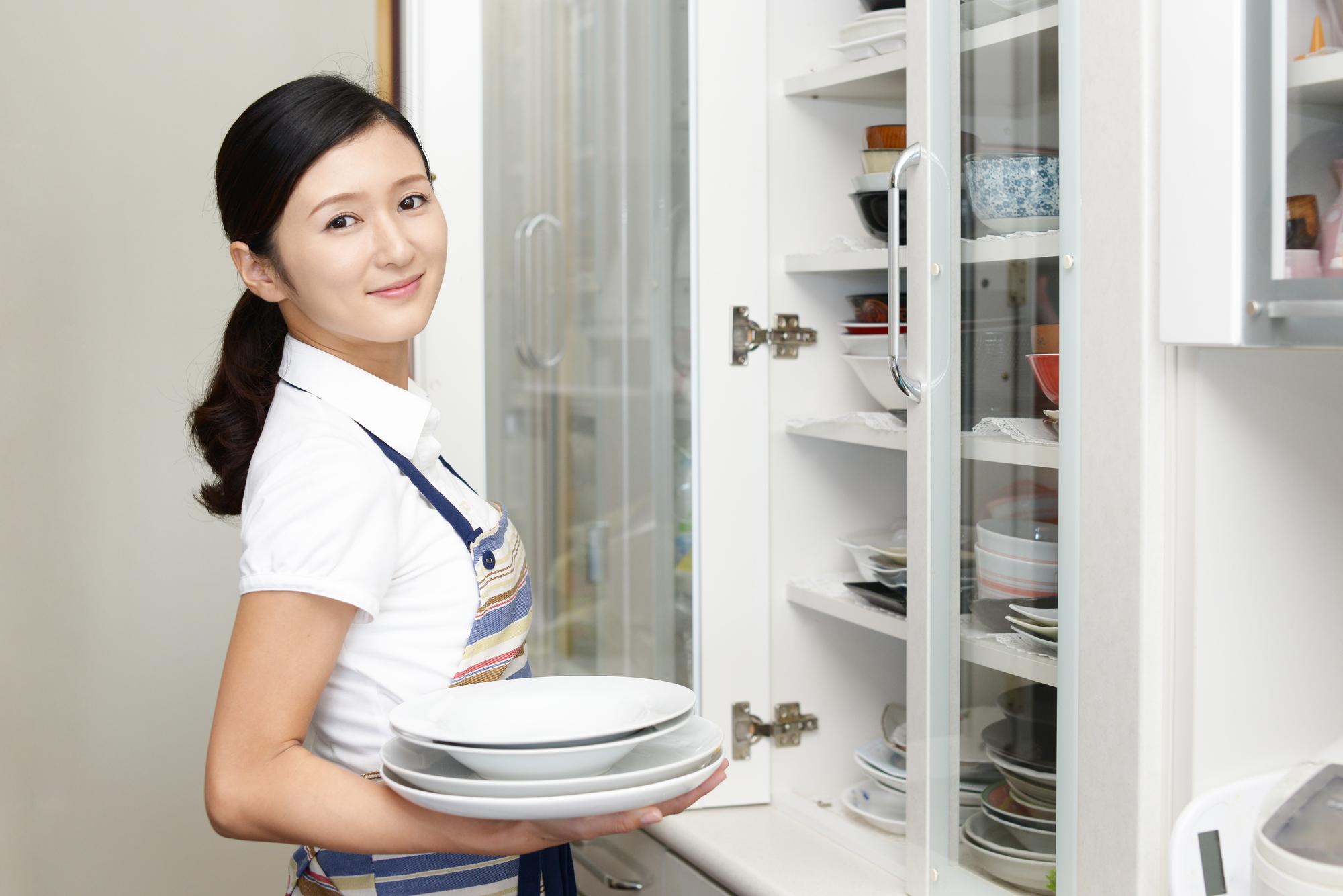 いまさら人に聞けない!食器の基本的な収納方法