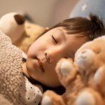 """子どもは何歳から""""ひとり寝""""させたらいいの?"""
